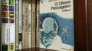 Pequeno acervo literário 140 livros