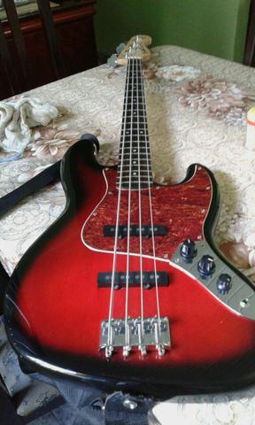 Contra baixo Squier By Fender Jazz Bass Standard excelente