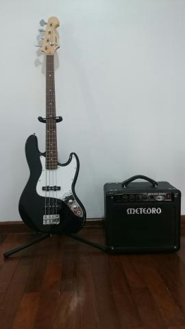 Contrabaixo e amplificador