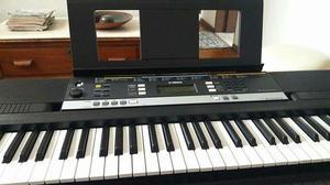 Teclado Yamaha Musical Arranjador PSR E243