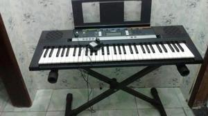 Vendo esse teclado Yamaha PSR-E243