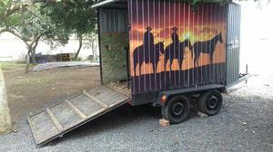 Carreta para 3 cavalos aceito tr.