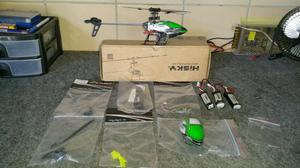 Helicóptero Hisky HCP 100 em estado de novo