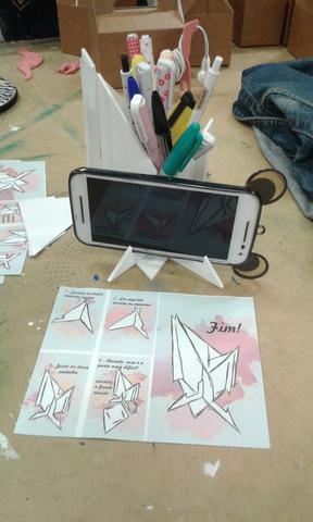Porta lápis/ suporte celular