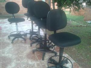 Cadeiras modelo caixa