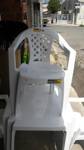 Conjunto de mesa com 4 cadeira Tramontina nova