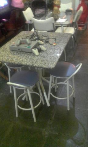 Mesa 4 banquetas