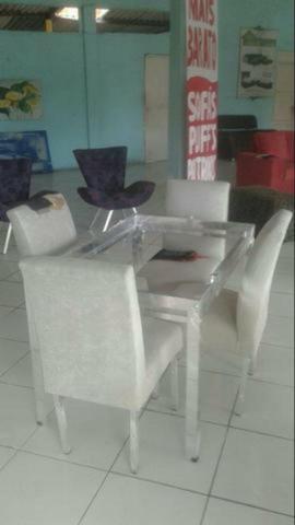 Mesa 4 cadeiras (preço baixo!)