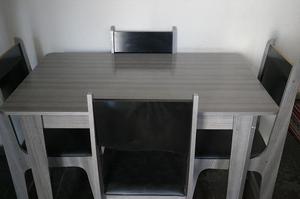 Mesa de Jantar - 4 Cadeiras