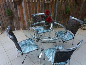 Mesa de alumínio com 4 cadeiras e vidro 8mm temperado