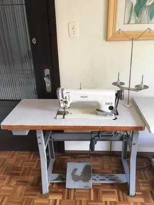Máquina de costura reta Pfaff