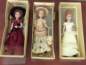 Coleção Damas de Época - 3 Bonecas de Porcelana