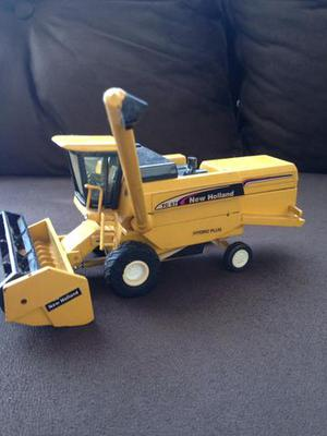 Miniaturas New Holland originais