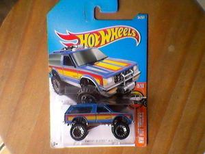 Miniatura hot wheels chevy blazer 4x4 (big foot)