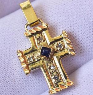 f8143d86dc9 Belo e delicado crucifixo estilo bizantino em ouro 18k (750)