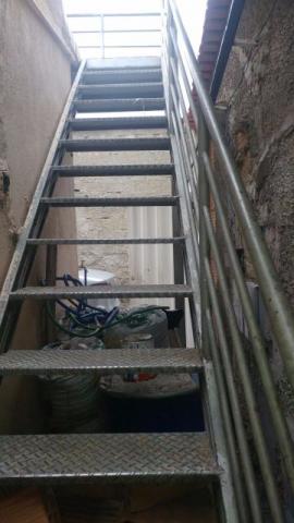 Escada (Leia a descrição)