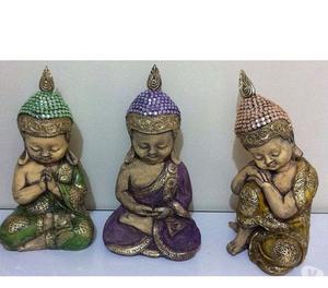 Trio de Budas em gesso
