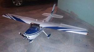 Aeromodelo cessna 182