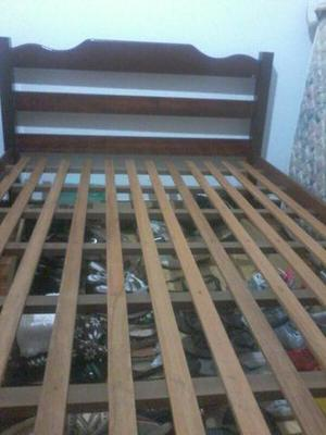 Cama de casal em mogno toda de madeira macica