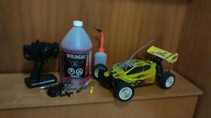 Carrinho de controle movido a gasolina