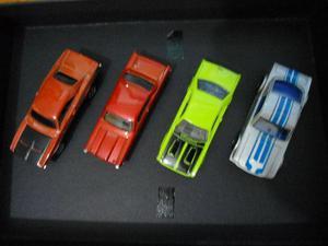 Hot Wheels - 4 carrinhos