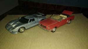 Miniatura Ford GT e Mustang conversível