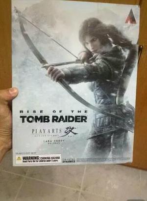 Lara croft play arts kai