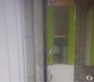 Vende se um armário de parede c4 peças e gabinete