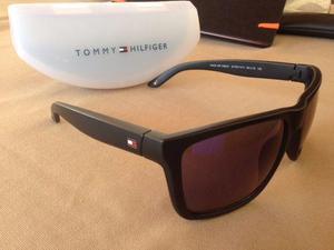 Óculos de sol tommy hilfiger original pouco uso com estojo