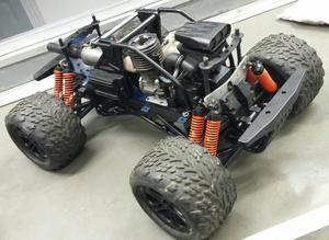 Automodelo Kyosho Giga Crusher motor gs26