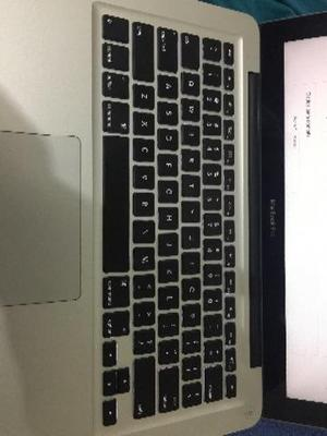 MacBook Pro 13 polegadas. I5 em estado de zero