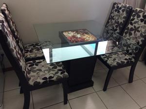 Mesa 4 cadeiras tampa vidro