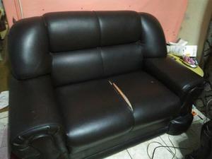 Sofa 2 e 3 lugares Couro Sintético
