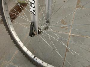 Bicicleta Mountain Bike 18 Marchas Aro 26