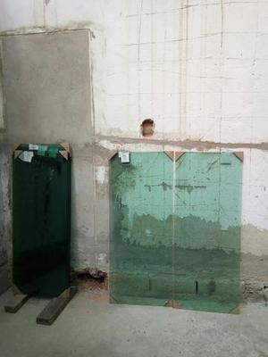 5 Janelas de vidro temperado e 2 portas