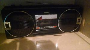 Radio Sanyo decada de 80 barato e funcionando