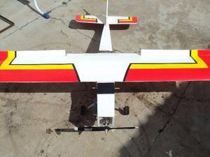Avião de controle remoto