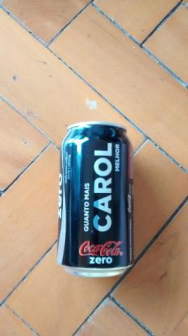 Nome Carol na Lata de Coca Cola Zero vazia