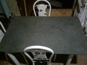 Mesa com 4 cadeira centro de mármore perfeita