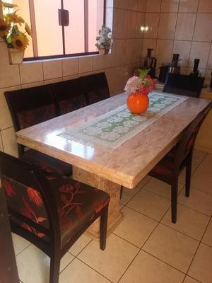 Mesa de jantar em mármore com 6 cadeiras acolchoada em