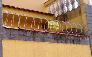 Instalação de Cerca Concertina Clipada em Santos e Região