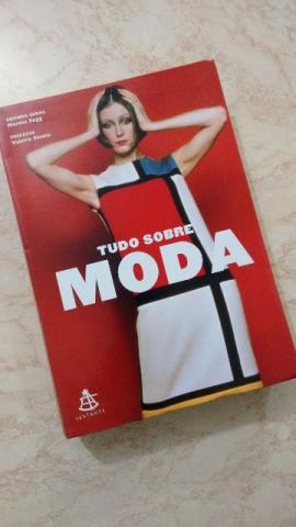 Livro - Tudo sobre moda