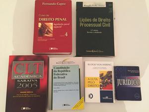 Lote com 6 livros de Direito - R$