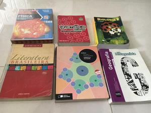 Vendo esses livros super conservados e emplastificados