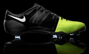 Chuteiras de campo Nike sem uso - vários modelos e