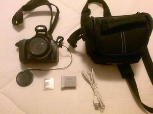 Máquina Fotográfica Canon SX30 IS, completa, em ótimo