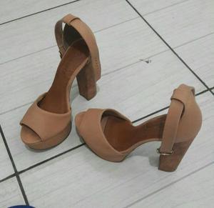 Dois pares de sapatos salto 15