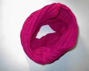 gola de lã rosa nunca usada nova.