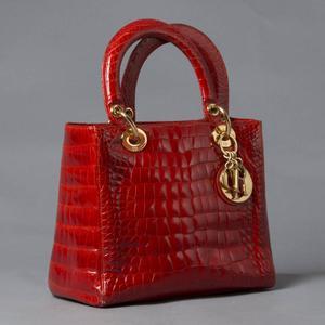 lady dior vermelha