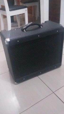 Amp. de Guitar Valvulado Meteoro MGV30 Dynamic aceito outro